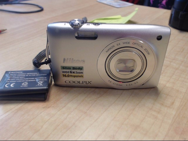 NIKON Digital Camera COOLPIX S3200