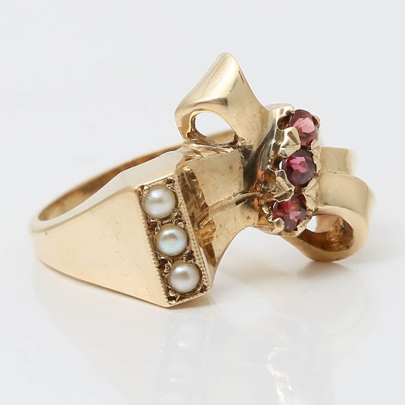 14K Yellow Gold Pearl & Round Pink Stone Bow Ring Size 5.25