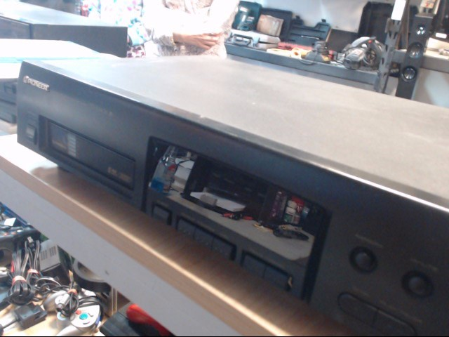 PIONEER ELECTRONICS CD Player & Recorder PD-M406