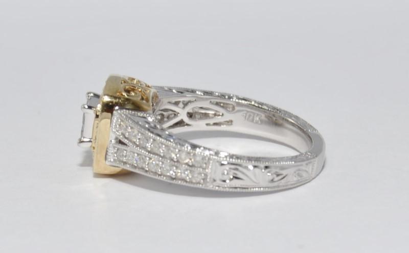 10K Two Tone Gold Split Shank Diamond Cluster Halo Filigree Accent Ring sz 7.25
