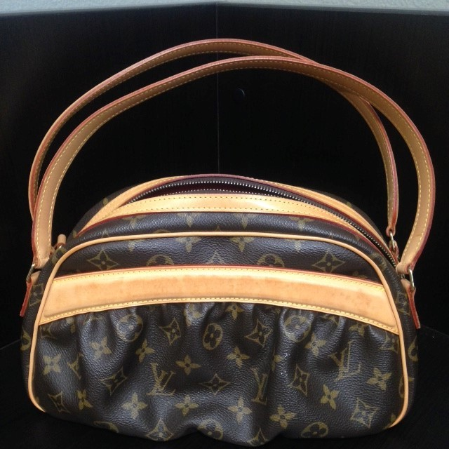 LOUIS VUITTON Handbag KLARA