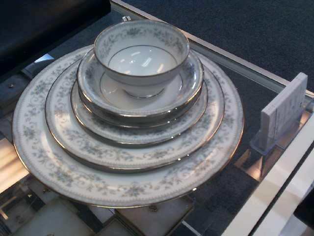 NORITAKE Glass/Pottery CHINA SET