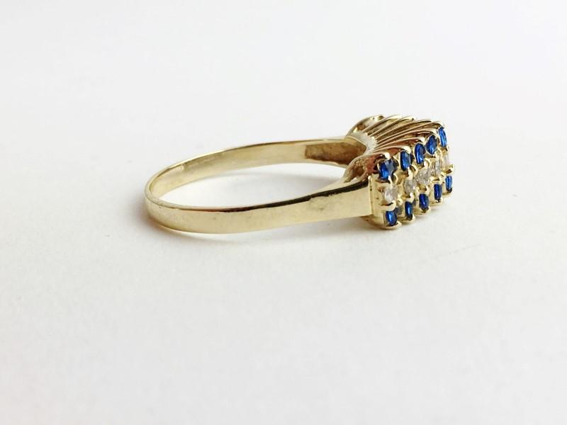 Sapphire & Diamond Ring 8 Diamonds .16 Carat T.W. 14K Yellow Gold