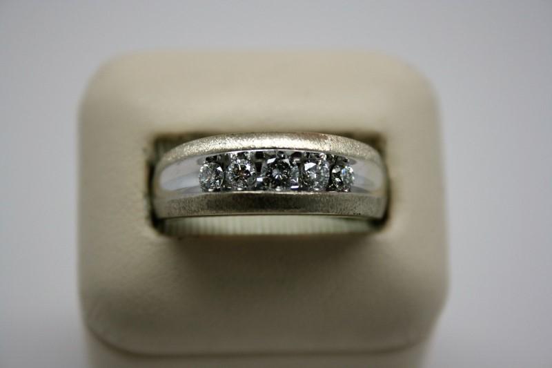 GENT'S DIAMOND BAND 14K WHITE GOLD