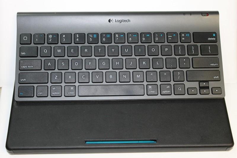 Logitech Bluetooth Tablet Keyboard Blue Black