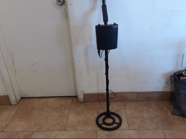 FORTUNE HUNTER Metal Detector METAL DETECTOR