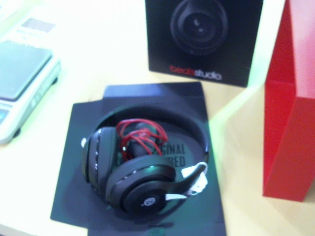 BEATS AUDIO Headphones B0500 STUDIO