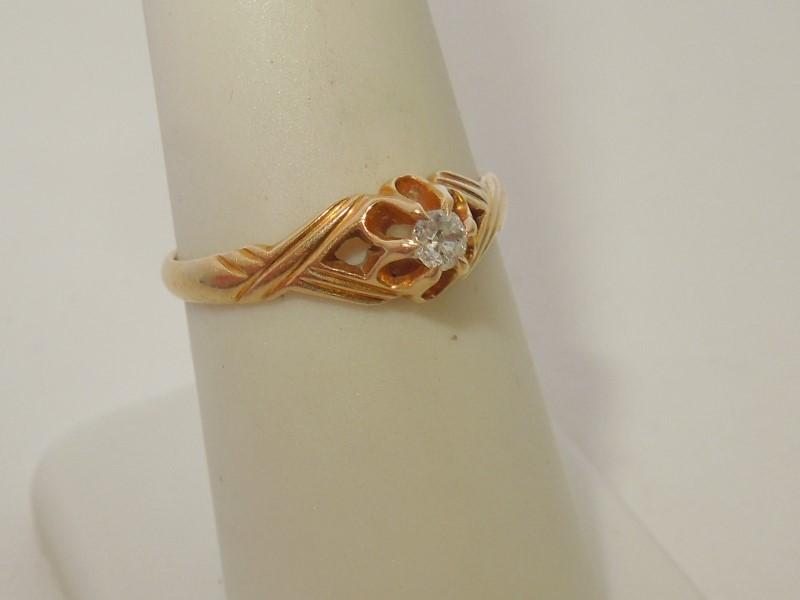 Gent's Diamond Fashion Ring .07 CT. 10K Yellow Gold 2g