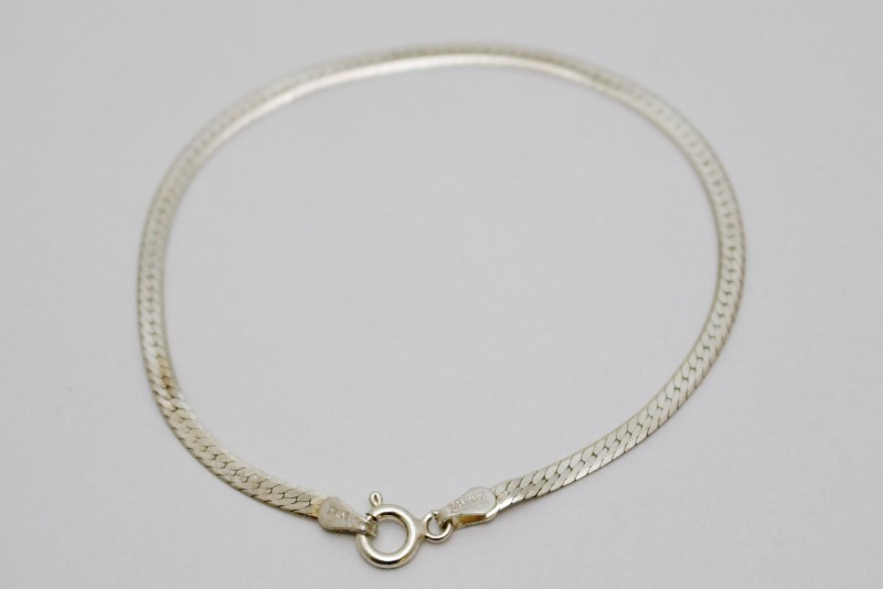 "7"" Sterling Silver Polished 2.5mm Herringbone Bracelet"