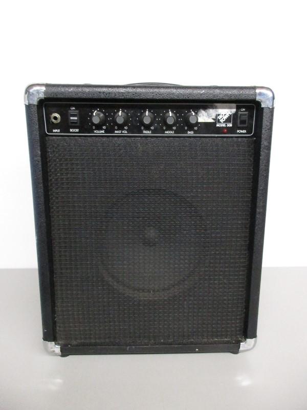 ROCK TOWN 30B COMBO GUITAR PRACTICE AMP