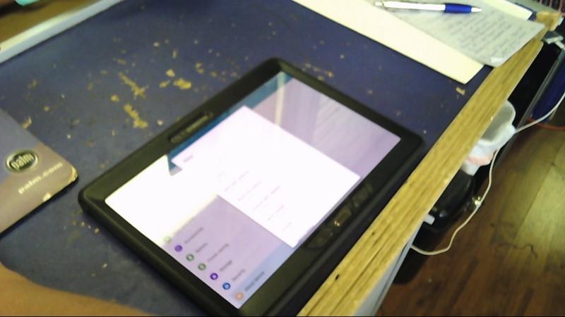 SAMSUNG Tablet SM-T807T