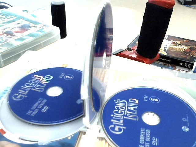 DVD BOX SET DVD GILLIGANS ISLAND