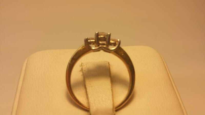14k Yellow Gold Ring with Platinum setting - 3 Diamonds .39ctw - 1.8dwt - Size 5