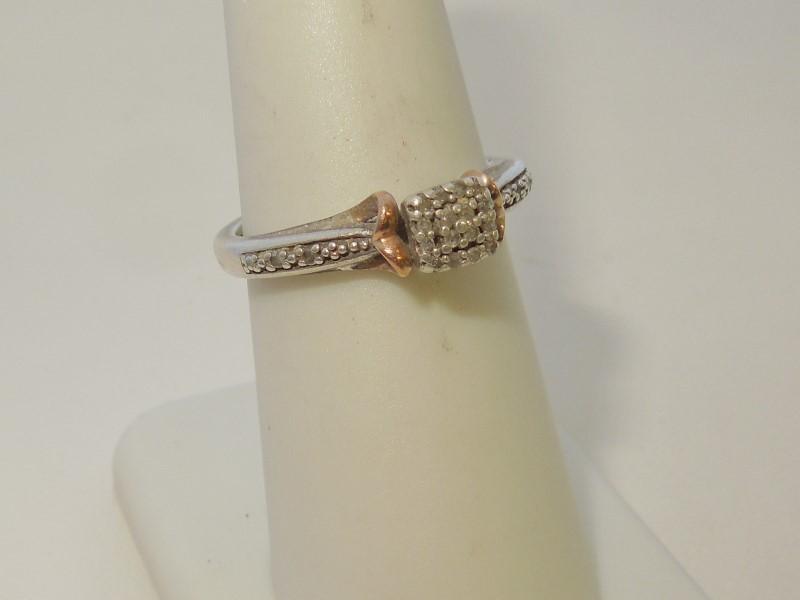 Lady's Silver-Diamond Ring 20 Diamonds .20 Carat T.W. 925 Silver 2.9g Size:7