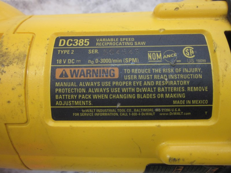 DEWALT DC385 18 VOLT VARIABLE RECIPROCATING SAW & CHARGER **NO BATTERY**