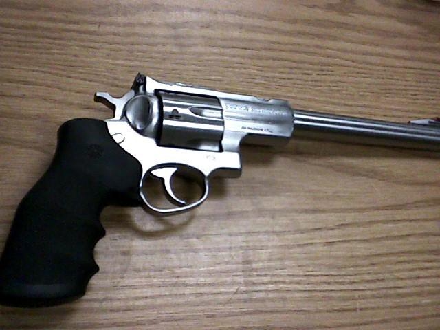 RUGER Revolver SUPER REDHAWK