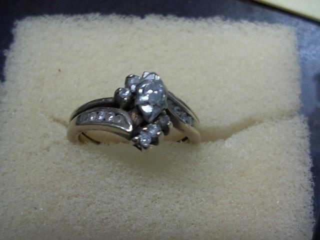 Lady's Diamond Wedding Set 16 Diamonds .25 Carat T.W. 10K Yellow Gold 4g