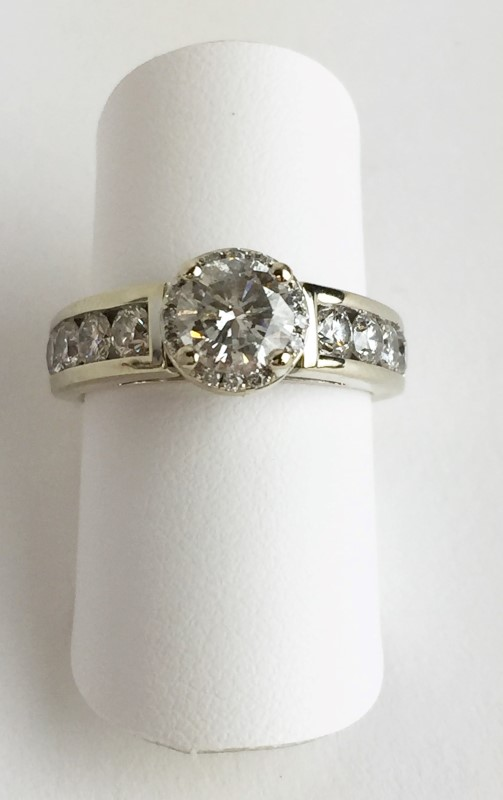 0.90cntr w 20 Diamonds 2.14 Carat T.W. 14K White Gold 6.83g