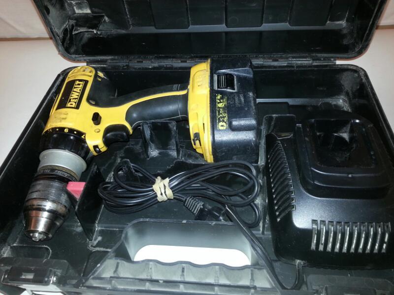 "DeWalt 1/2"" Cordless Hammer Drill Driver DCD775 ["