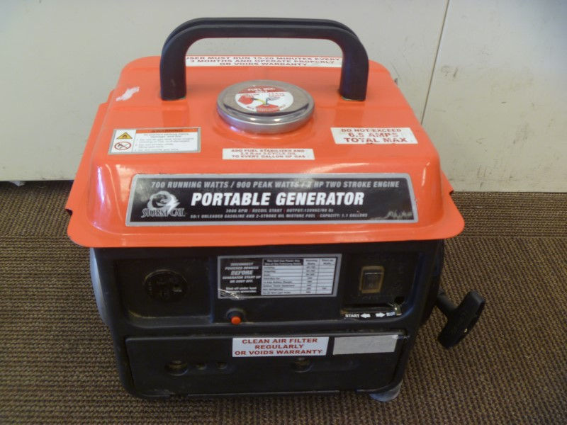 STORM CAT 69391 900 PEAK/700 RUNNING WATTS, 2 HP (63CC) 2 CYCLE GAS GENERATOR
