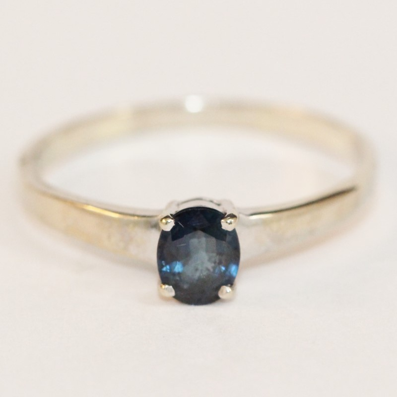 14K White Gold Oval Cut Sapphire Ring Size 10.5