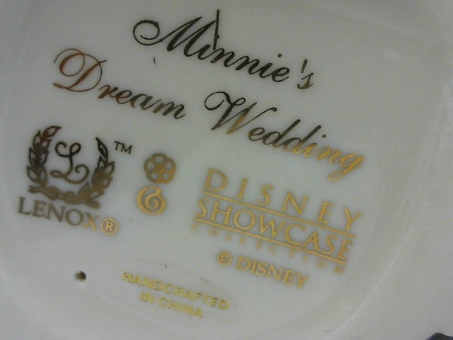 LENOX Collectible Plate/Figurine DISNEY SHOWCASE MINNIES DREAM WEDDING