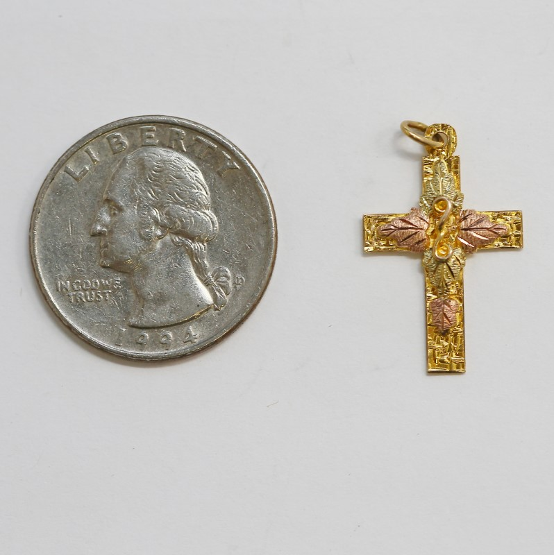 10K Tri-Colored Gold Leaf and Vine Detailed Cross Pendant Fall