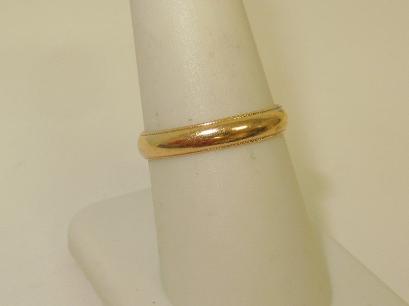 Gent's Gold Wedding Band 14K Yellow Gold 2.1g Size:8