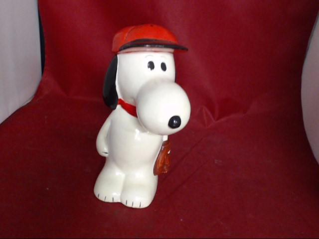 Classic Toy PEANUTS SNOOPY BASEBALL COIN