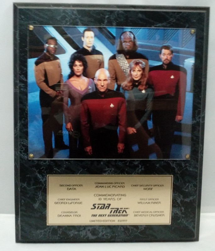 STAR TREK COMMEMORATIVE PLAQUE 10 YEARS OF NEXT GENERATION 83/1997