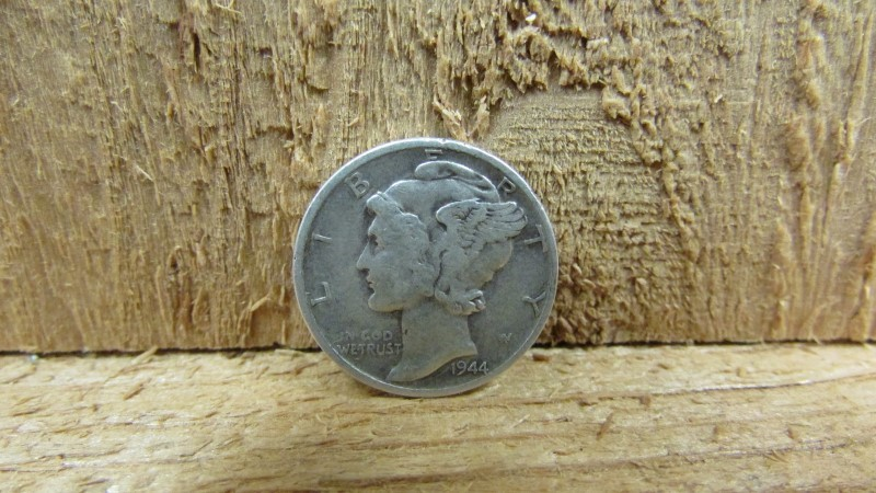UNITED STATES Silver Coin 1944 MERCURY DIME