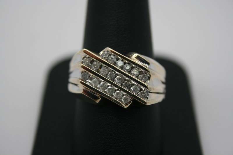 GENT'S DIAMOND RING 10K YELLOW GOLD