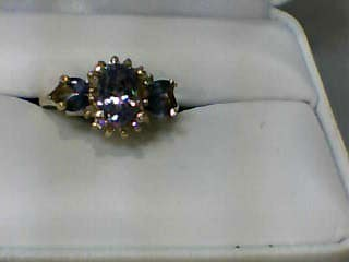 Tanzanite Lady's Stone & Diamond Ring 12 Diamonds .12 Carat T.W.