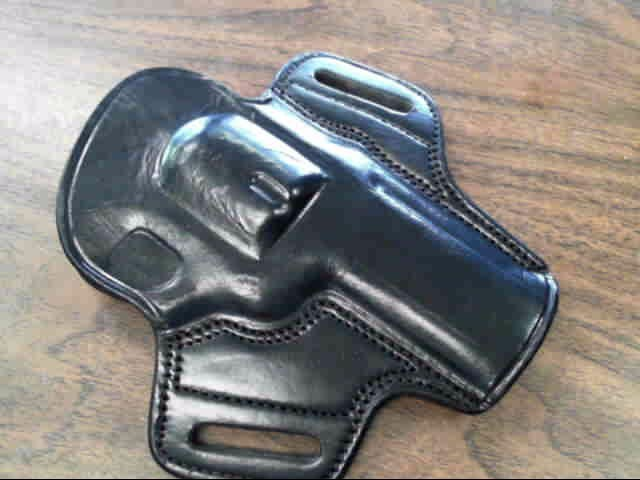 Holster LEATHER REVOLVER HOLSTER