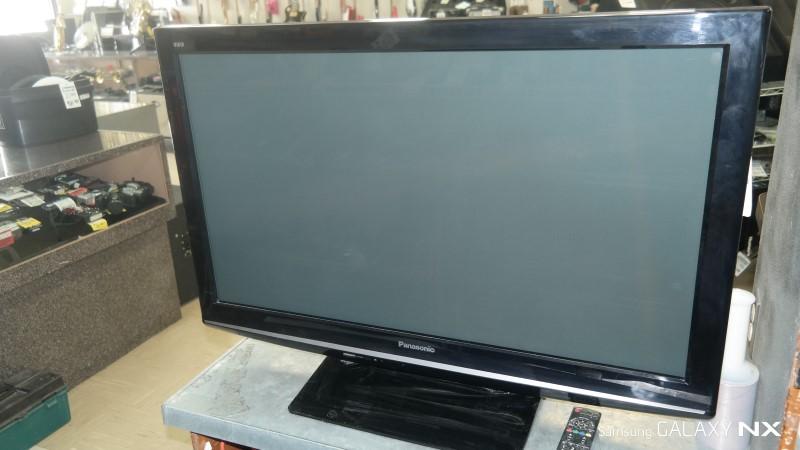 PANASONIC Flat Panel Television TC-P42X