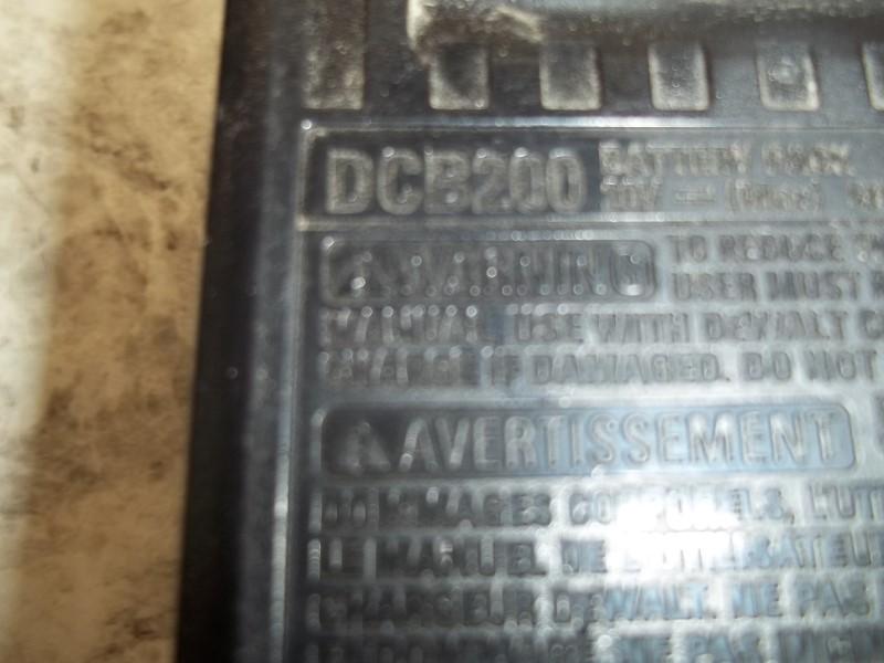 DEWALT DCB200 BATTERY