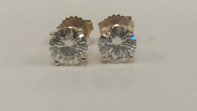Cubic Zirconia Gold Earrings 14K Yellow Gold 1.9g