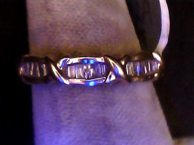 Lady's Diamond Wedding Band 15 Diamonds .30 Carat T.W. 10K Yellow Gold 1.7dwt