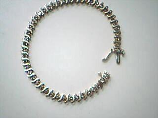 Gold-Diamond Bracelet 48 Diamonds .96 Carat T.W. 14K Yellow Gold 8.6g