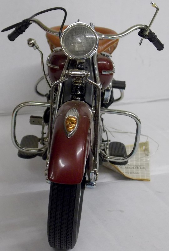 FRANKLIN MINT: THE 1942 INDIAN CHIEF MOTORCYCLE - MODEL: 442