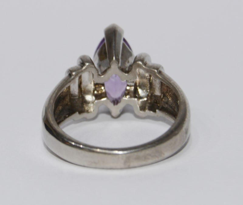 Sterling Silver Vintage Inspired Ridged Marquise Amethyst Soliraire Ring sz 6
