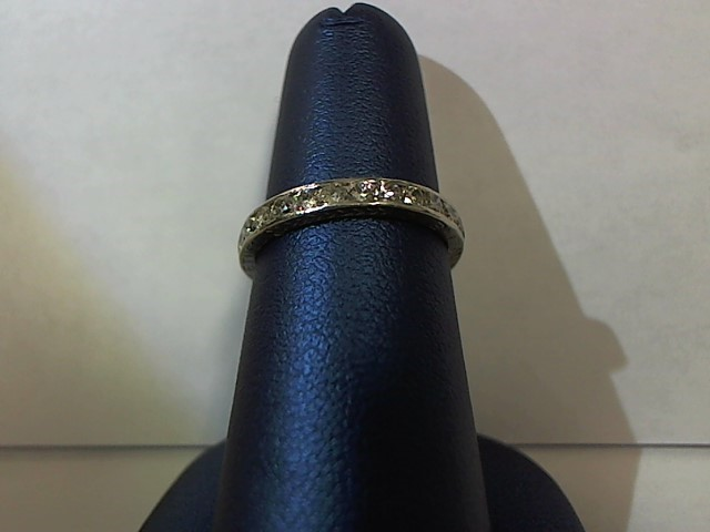 Lady's Gold-Diamond Anniversary Ring 30 Diamonds .60 Carat T.W. 14K Yellow Gold