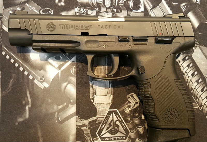 TAURUS PT 24/7 OSS DS, 9MM, CASE