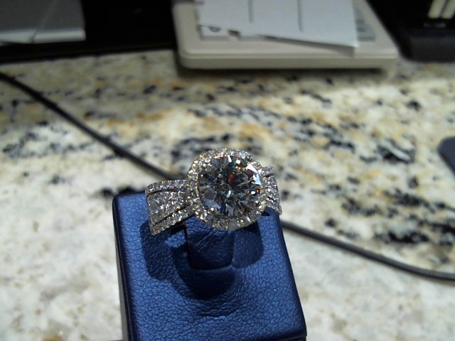 Gent's Diamond Solitaire Ring 2.02 CT. 14K White Gold 7.7g
