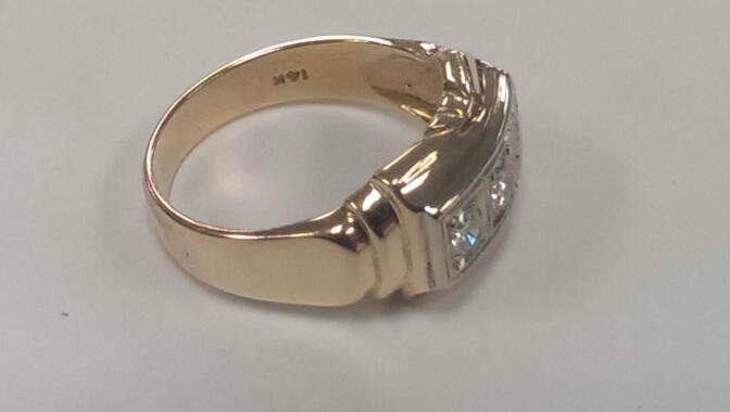 Gent's Diamond Fashion Ring 3 Diamonds .45 Carat T.W. 14K Yellow Gold 6.4g