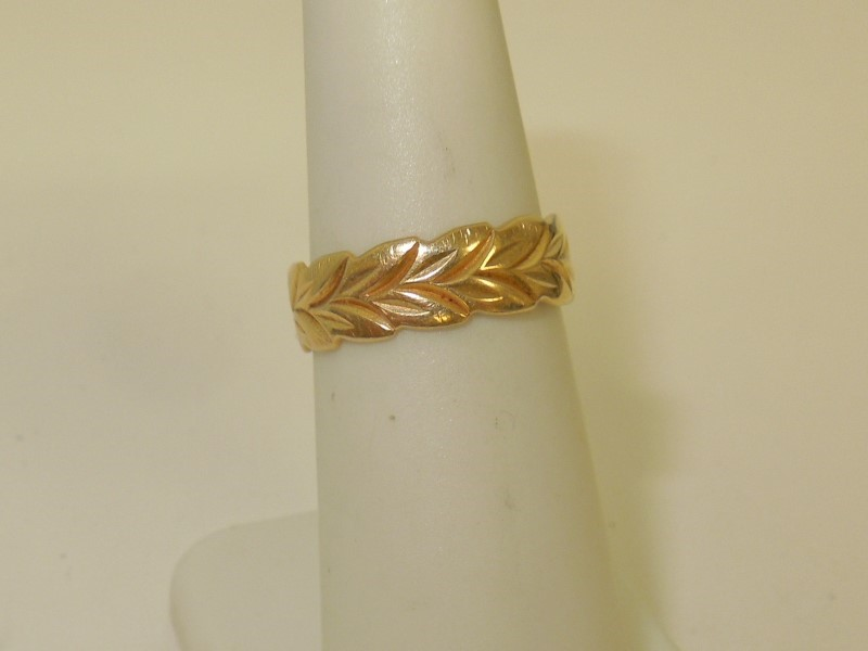 Lady's Gold Ring 14K Yellow Gold 2.7g Size:6