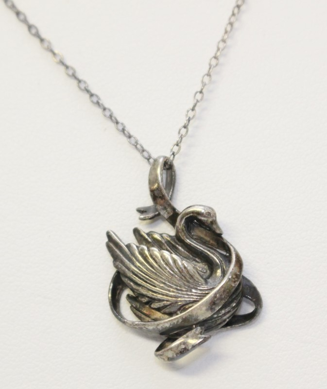 """Sterling Silver Flowing Ribbon Swan Pendant Necklace on 18"""" Fine Chain"""