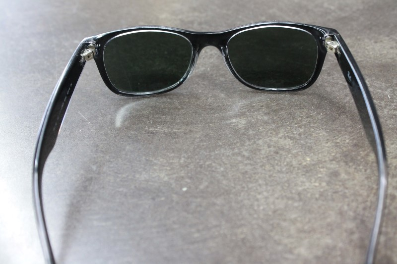 RAY-BAN Sunglasses RB2132