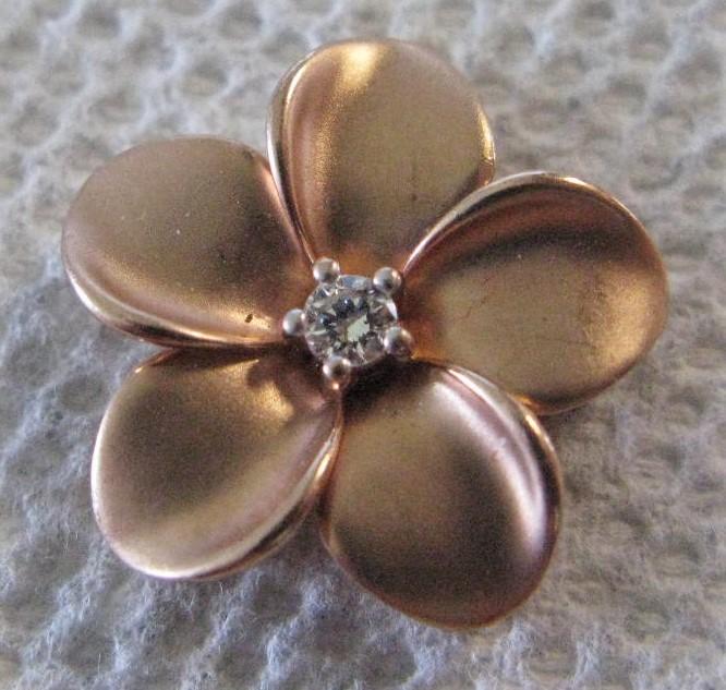 Hawaiian 10K Diamond 20mm Puffed Plumeria Pendant .08 CT. 10K Rose Gold 1.58dwt