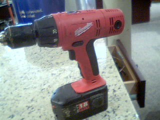 MILWAUKEE BATTERY18V NO/CHARGER